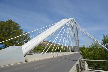 carretera sobre un puente