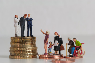 Menschen, Münzen, Einkommensunterschiede