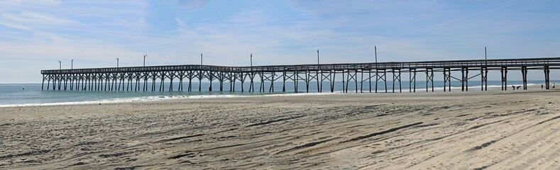 Bilder und videos suchen wooden structure for Holden beach fishing pier