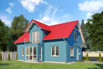 Ein blaues Einfamilienhaus in blühender Natur im Sommer am Tag.