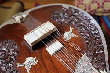 Sitar, strumento indiano