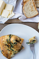 Omelette with wild mushrooms and spinach