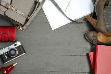 Натюрморт: мода, тренд, стильный образ, красота, бренд, одежда, предметы для девушки, косметика, одежда, туфли на каблуках, модный образ