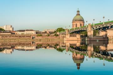 In de dag Brug Hopital de La Grave in Toulouse, France.