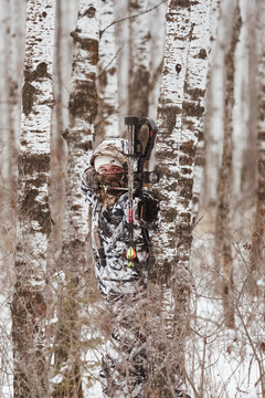 Bowhunter hunting deer on a ground hunt