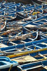 Blaue Boote im Hafen von Essaouira
