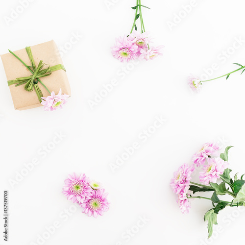 paper gift box and pink flower on white background flat lay top view floral frame photo. Black Bedroom Furniture Sets. Home Design Ideas