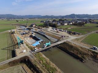 Poster Channel 大水害で壊れた可動堰の新設工事