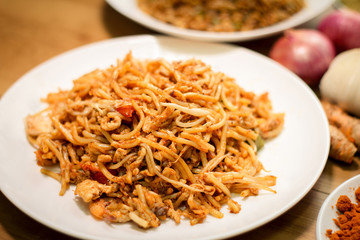 Fried noodles are delicious and healthy dish