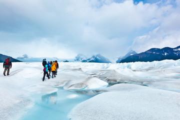 Gletscher Perito Moreno mit Wanderern - Expredition