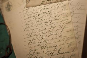 Courrier ancien, parchemin et calligraphie