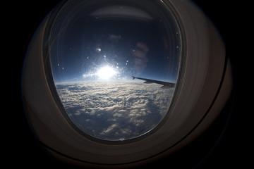 Fliegen im Flugzeug - Bullauge