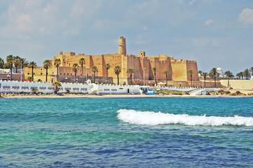 Keuken foto achterwand Tunesië Ribat of Monastir against cloudy sky