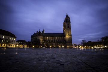 Magdeburger Dom bei Nacht