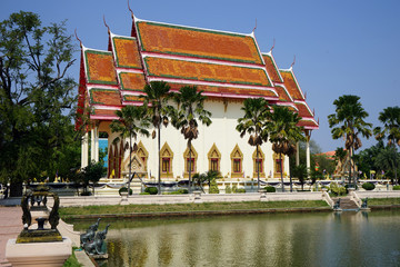 Wat Klang Phra Aram Luang