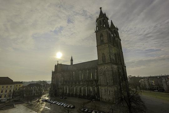 Der Dom zu Magdeburg an einem Wintermorgen  (HDR)