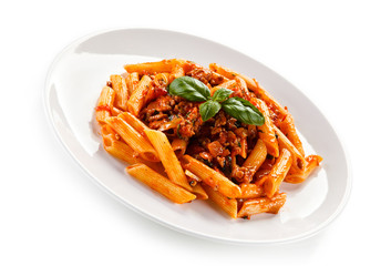 Penne with meat, tomato sauce and vegetables