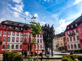 Schillerplatz Mainz Sommer