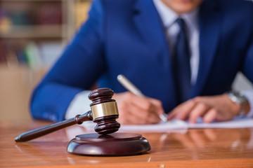 gmbh & co. kg kaufen Kommanditgesellschaft gesetz Vorratsgründung gmbh kaufen steuern