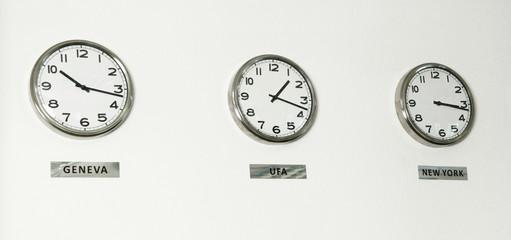 Trading international time wall clocks Geneva, Ufa, New York