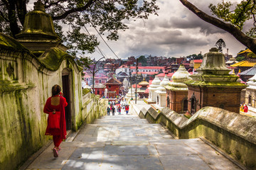 In de dag Temple August 18, 2014 - Pashupatinath Temple in Kathmandu, Nepal