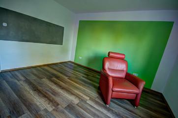 Sessel Im Renovierten Zimmer