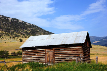 Cabin in Absaroka Mountains