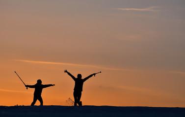 Anne Ve Çocuğun Gün Batımı Mutluluğu