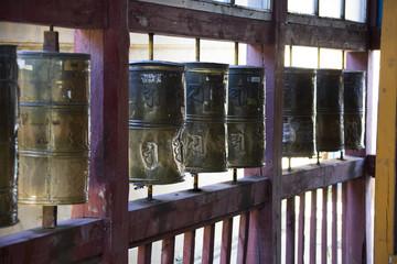 Buddhistische Totengebetsmühlen - Kloster - Mongolei