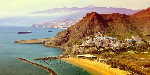 Foto auf Acrylglas Kanarische Inseln Playa de Las Teresitas in Tenerife, Canary Islands, Spain