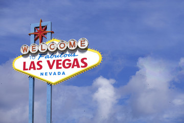 Foto op Aluminium Las Vegas Famous Las Vegas welcome sign over blue sky