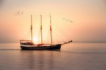 Segelschiff - Sonnenuntergang