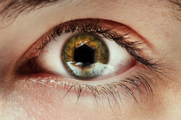 Eye with Aperture