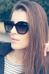 fashion beautiful woman wearing sunglasses. Retro style
