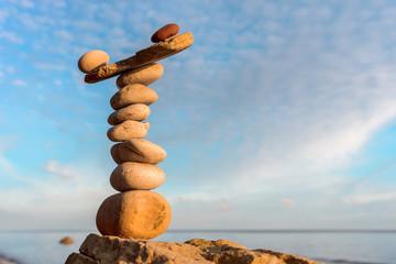 Pyramidal balance of stones