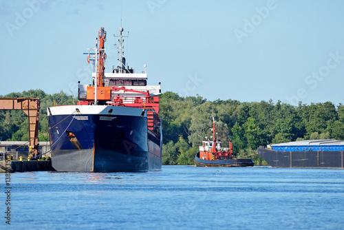 maritime transport photo libre de droits sur la banque d 39 images image 138233512. Black Bedroom Furniture Sets. Home Design Ideas