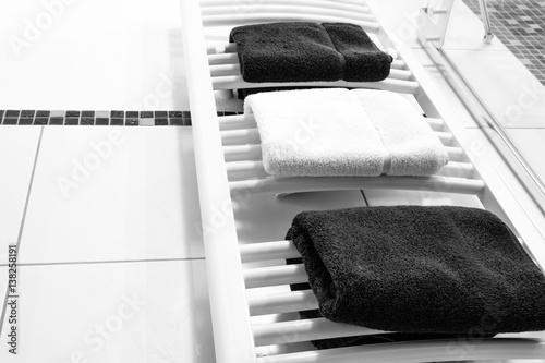 Handtuchtrockner Heizkorper Stockfotos Und Lizenzfreie Bilder Auf