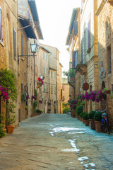 Narrow street in Pienza (Tuscany, Italy)