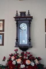 Старинные античные  настенные часы