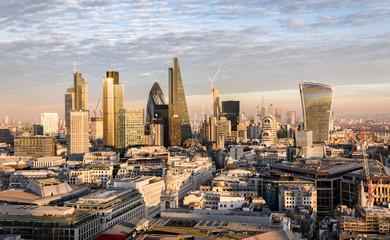 Fotomurales - Sonnenuntergang über der City von London, Großbritannien
