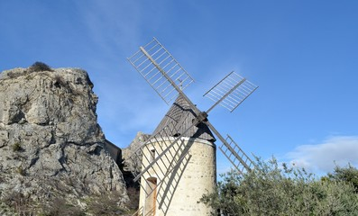 Deurstickers Molens Le moulin de Pierrelatte