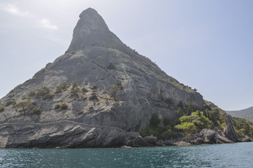 Mount Eagle Qoba Qaya, low reef (165 m) in the eastern part of the Crimea in the village of Novy Svet 3 km southwest of Sudak
