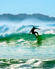 Surfer na fali - 138423313