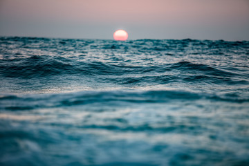 Sunset in ocean Fotomurales