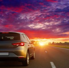 Fototapete - Car on asphalt road