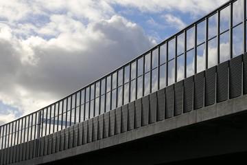 Autobahnbrücke Geländer Lärmschutzwand