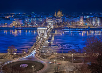 Nice night view on the famous Chain Bridge in Budapest, Hungary