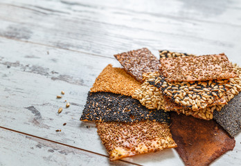 kinds baked thin healthy seed crackers