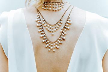 neck chain bride