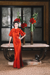 Femme Art Deco Rouge